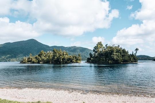 Hans Bay – Lake Kaniere Campsite (DOC)